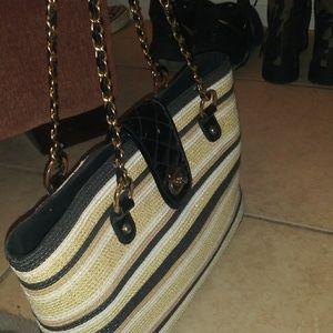 Handbags - No name woven black and tan purse